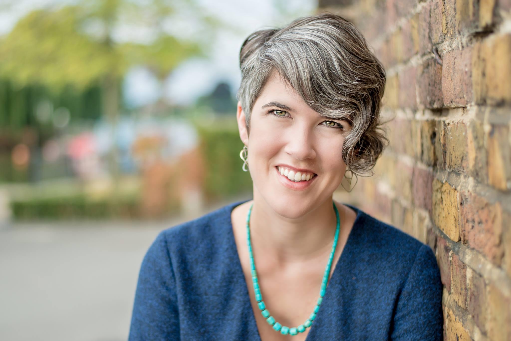 Amanda Cook | Influential Women Every Wellness Expert Should Follow